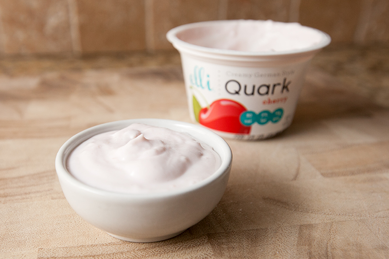 elli-quark-yogurt-cheese-cherry-review-02
