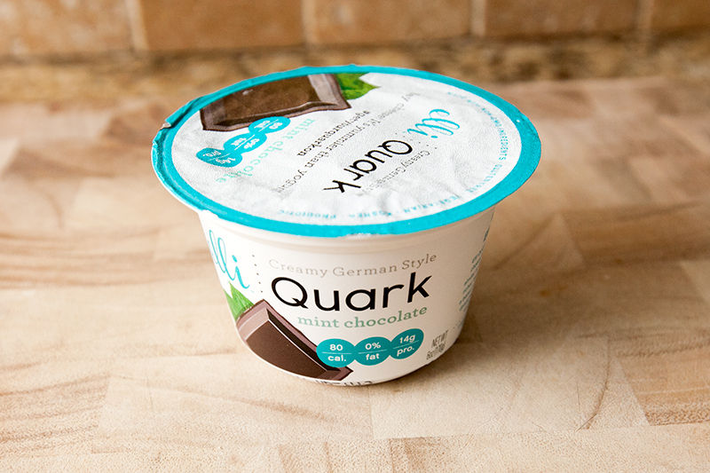 elli-quark-yogurt-cheese-mint-chocolate-review-01