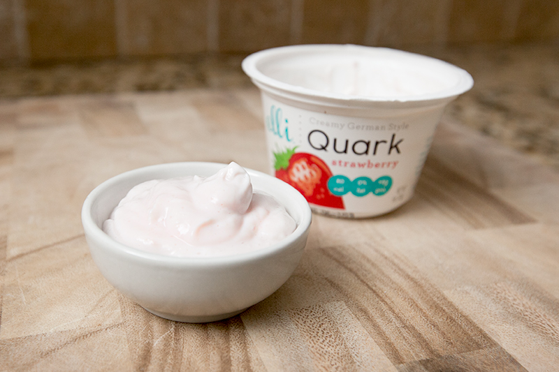 elli-quark-yogurt-cheese-strawberry-review-02