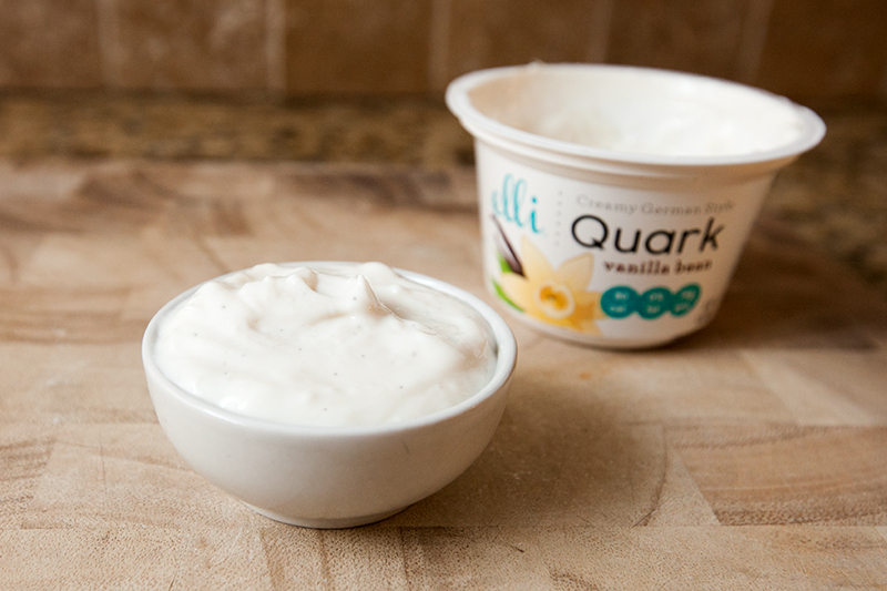 elli-quark-yogurt-cheese-vanilla-bean-review-02