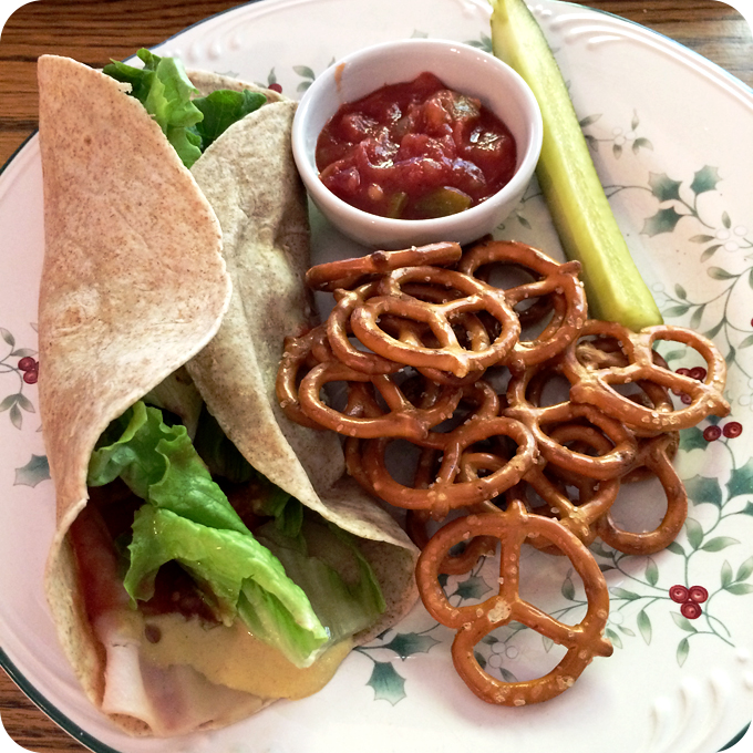 turkey-provolone-low-carb-wrap-with-pretzels