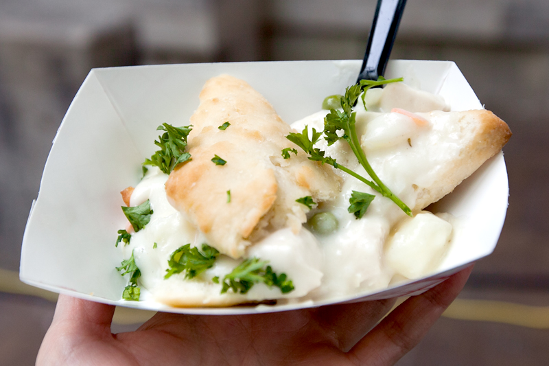 knoxville-international-biscuit-festival-blue-coast-bar-and-grill-chicken-pot-pie-02