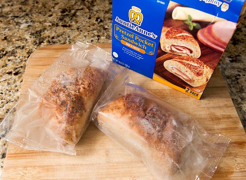 auntie-annes-pretzel-pocket-sandwiches-review-ham-and-cheese-01