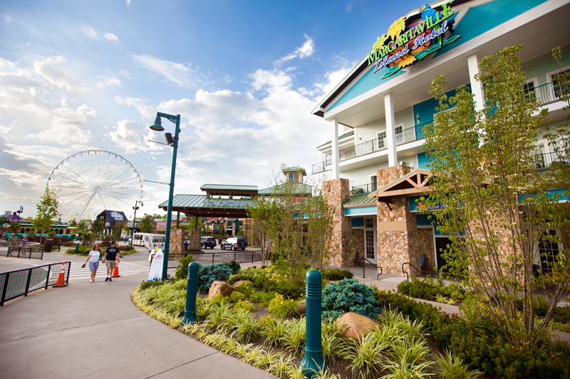 margaritaville-island-hotel-pigeon-forge-review-exterior-04