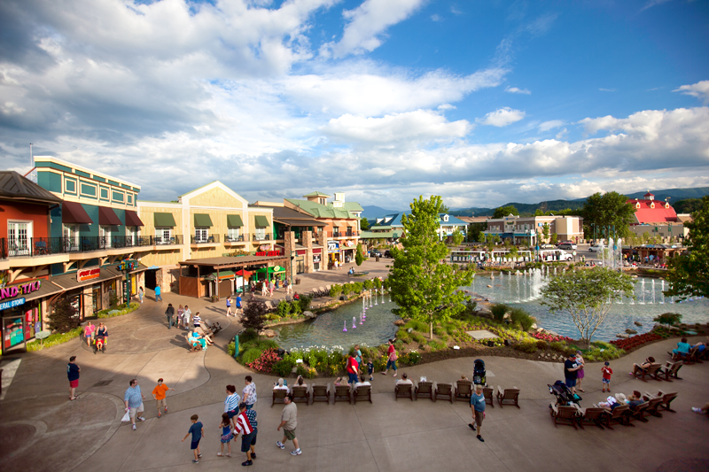 margaritaville-island-hotel-pigeon-forge-review-pool-01