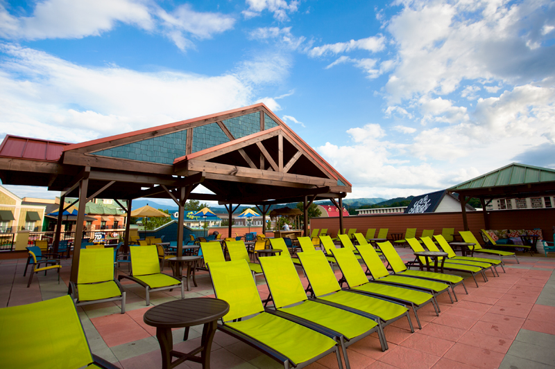 margaritaville-island-hotel-pigeon-forge-review-pool-03