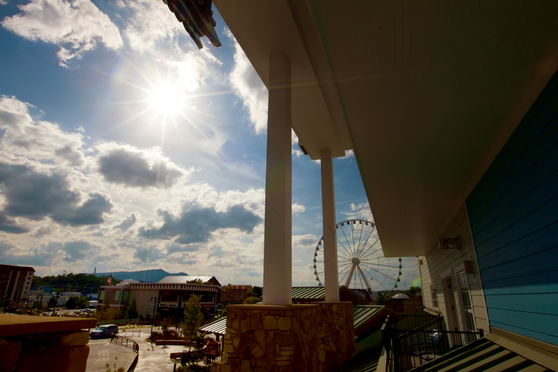 margaritaville-island-hotel-pigeon-forge-review-presidential-suite-balcony-01