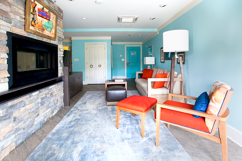 margaritaville-island-hotel-pigeon-forge-review-presidential-suite-living-area-01