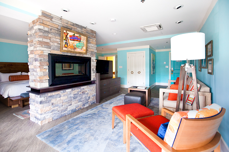 margaritaville-island-hotel-pigeon-forge-review-presidential-suite-living-area-02