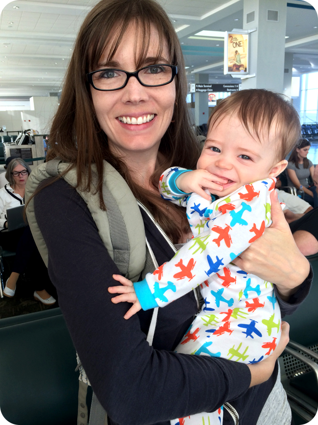 mom-and-baby-before-getting-on-a-flight