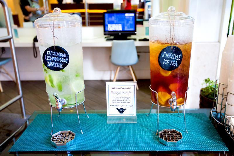 shoreline-waikiki-hawaii-hotel-review-lobby-04