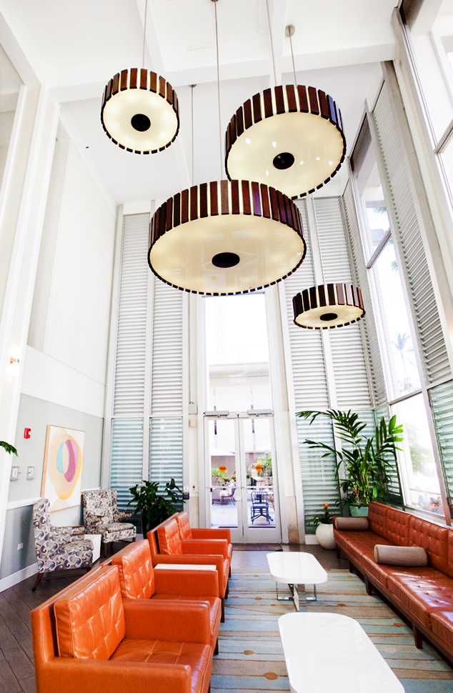shoreline-waikiki-hawaii-hotel-review-lobby-06