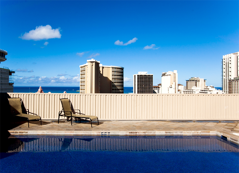 shoreline-waikiki-hawaii-hotel-review-pool-02