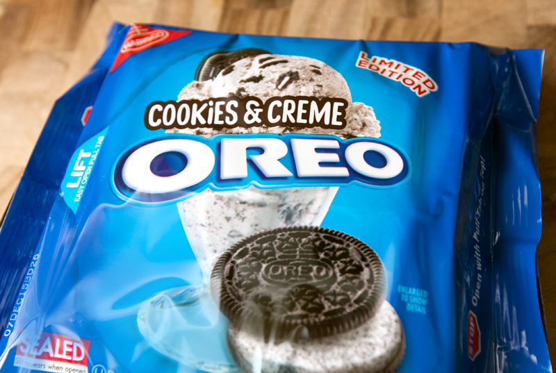 cookies-and-creme-oreos-review-01