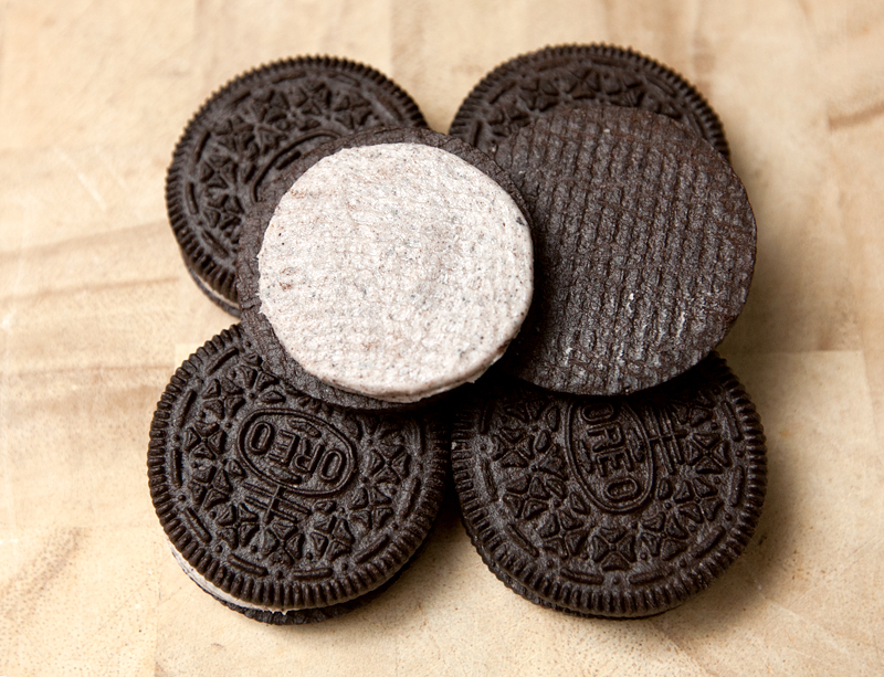 cookies-and-creme-oreos-review-04