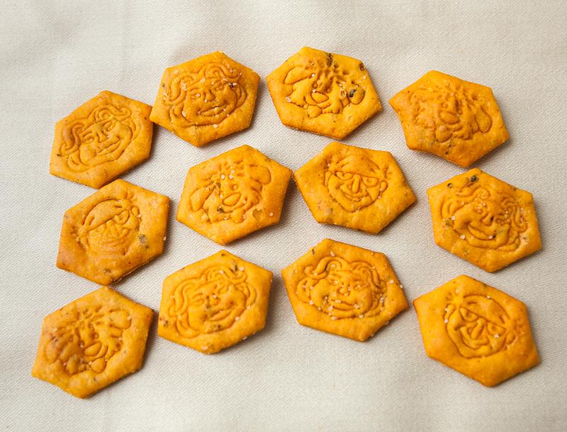 funleys-super-crackers-cheddar-n-stuff-review-01