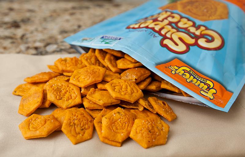 funleys-super-crackers-cheddar-n-stuff-review-02
