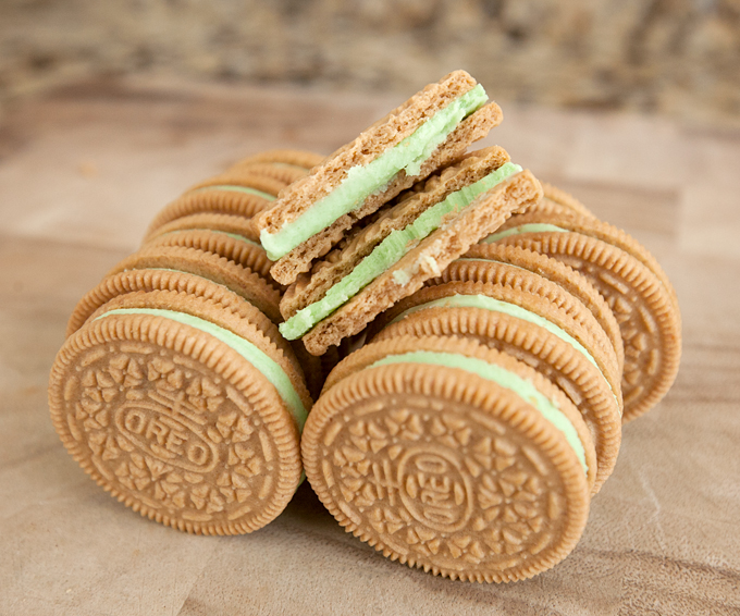 key-lime-pie-oreos-review-05