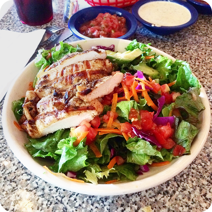chuys-grilled-chicken-salad