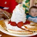 eggs-n-things-waikiki-hawaii-breakfast-strawberry-whipped-cream-pancakes-with-macadamia-nuts-01