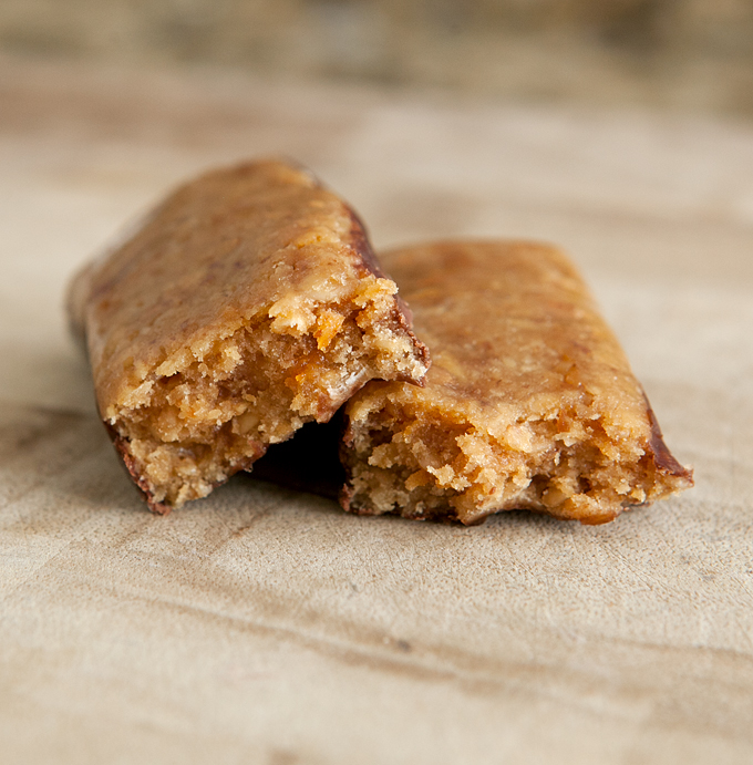 bodybuilding-warehouse-toffee-apple-flapjack-review-02