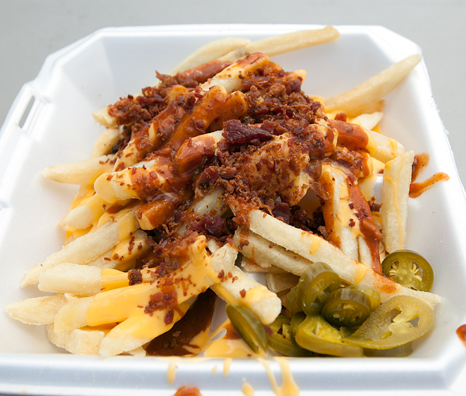 fair-food-loaded-chili-cheese-fries-with-jalapeno-peppers