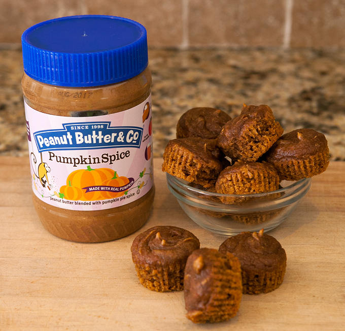 flourless-gluten-free-pumpkin-spice-peanut-butter-muffins-05