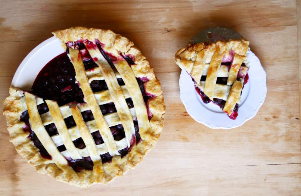 late-summer-easy-blueberry-pie