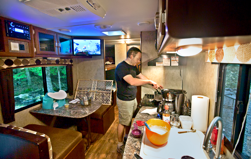 matt-cooking-dinner-in-the-camper