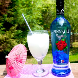 pinnacle-flavored-vodka-raspberry-lemonade-2