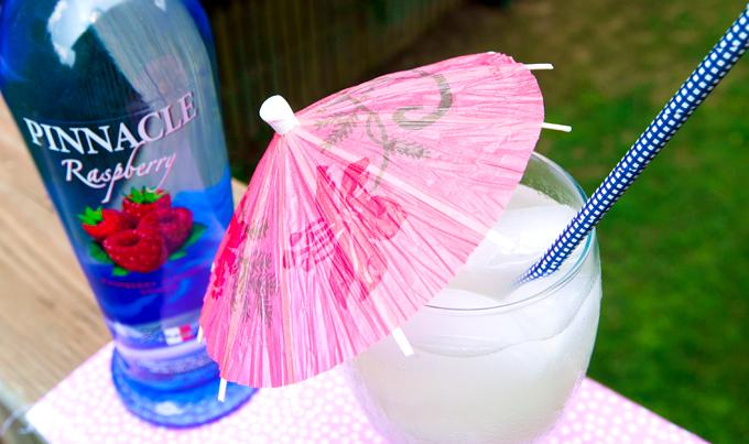 pinnacle-flavored-vodka-raspberry-lemonade