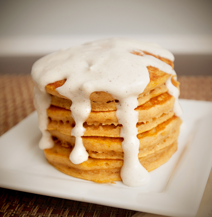 pumpkin-pie-pancakes-with-cream-cheese-drizzle-01