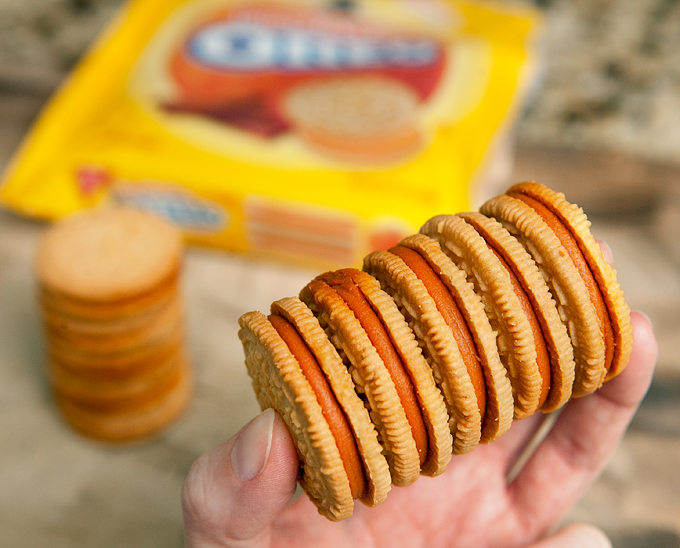 pumpkin-spice-oreos-review
