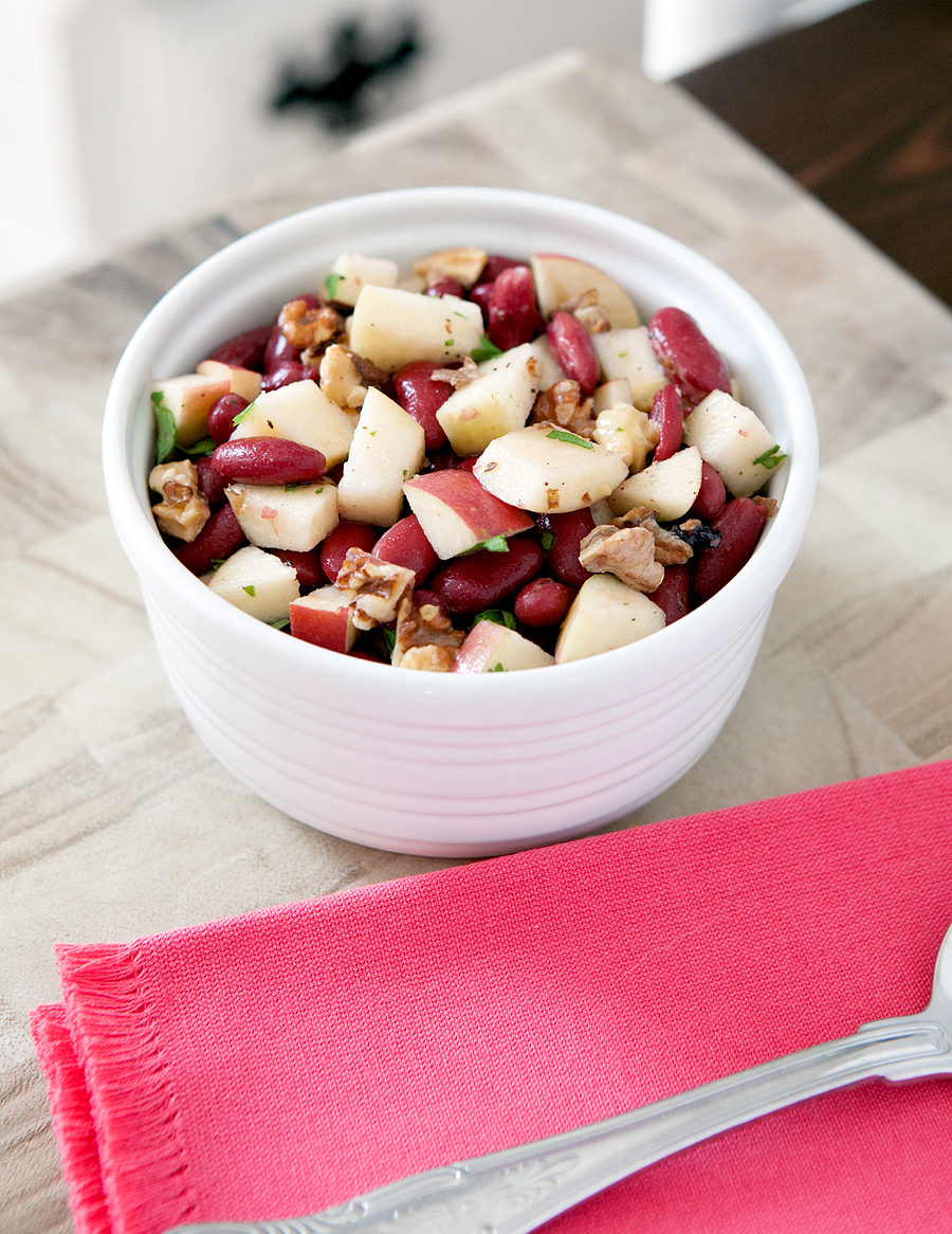 Fall Harvest Bean Salad - a cold refreshing salad made with sweet chopped apples, red kidney beans, and toasted walnuts! So easy to make.