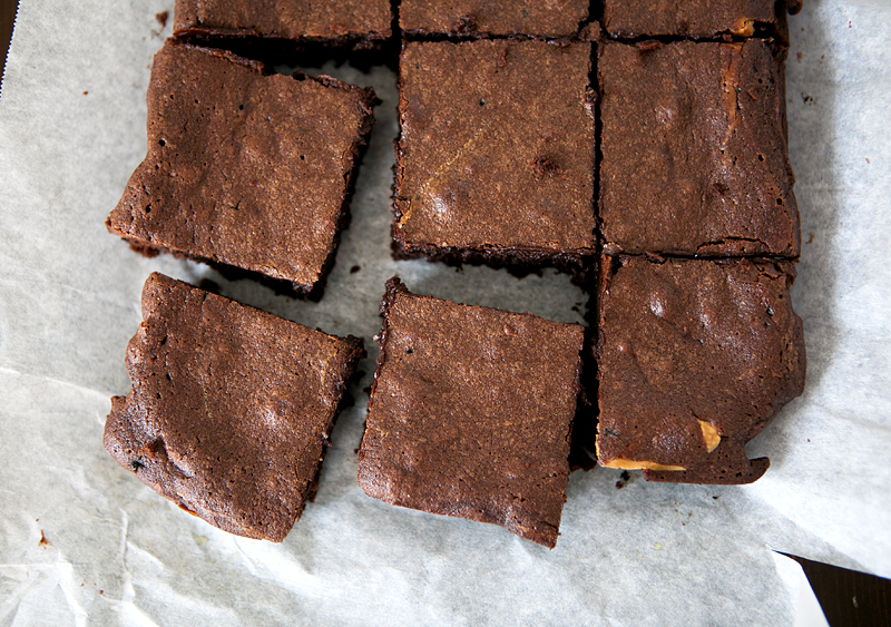 peanut-butter-stuffed-brownies-with-whiskey-caramel-02