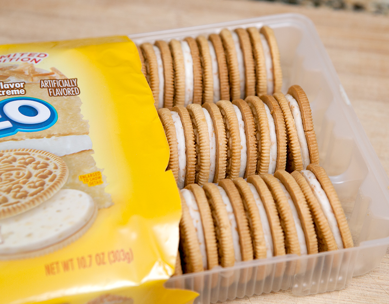 toasted-coconut-oreos-review-oreos-in-package