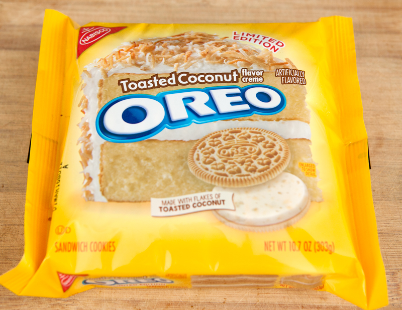 toasted-coconut-oreos-review-packaging