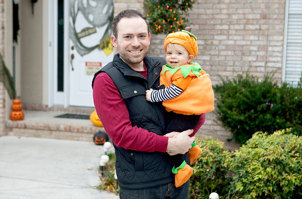 dad-and-baby-dressed-as-pumpkin
