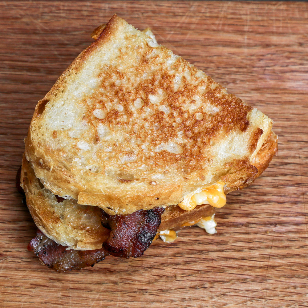 grilled-cheese-bacon-sandwich