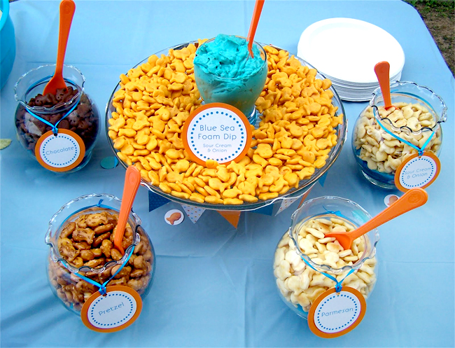 Bubble Guppies party idea - goldfish cracker buffet