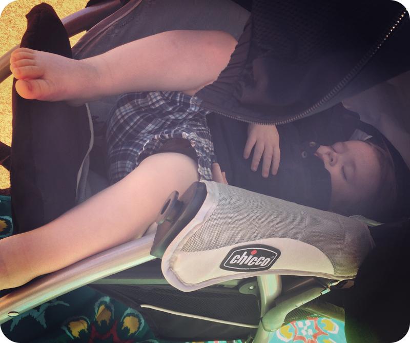 baby-napping-at-airshow