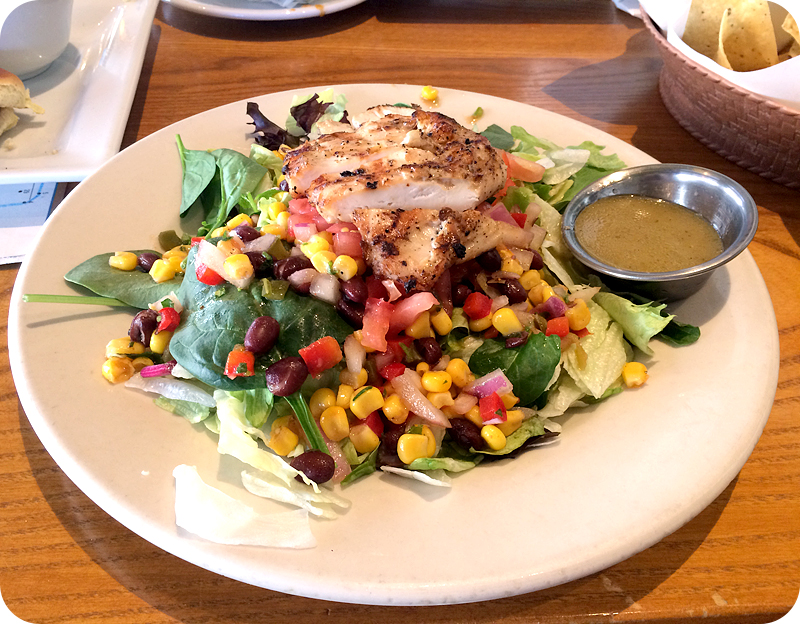 chicken-salad-from-chilis