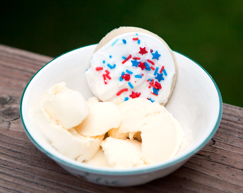 ice-cream-with-lofthouse-sugar-cookies