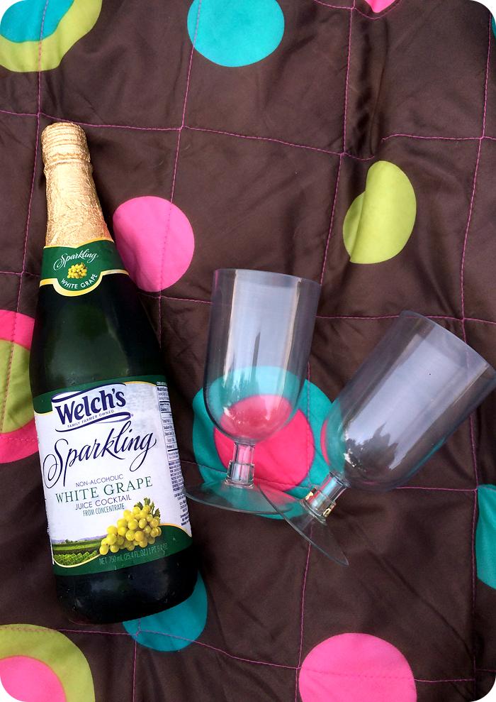 sparkling-white-grape-juice-bottles