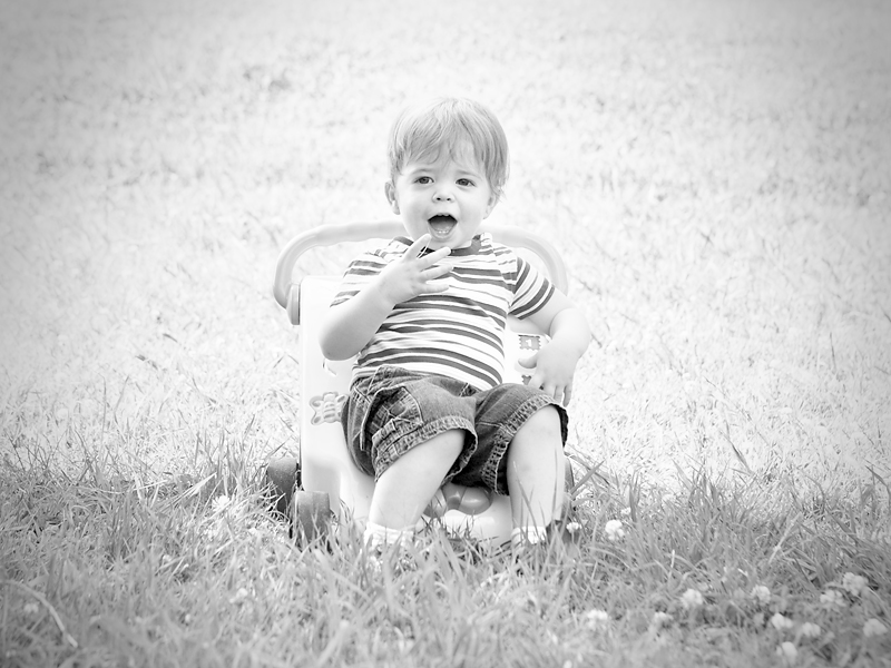 toddler-black-and-white