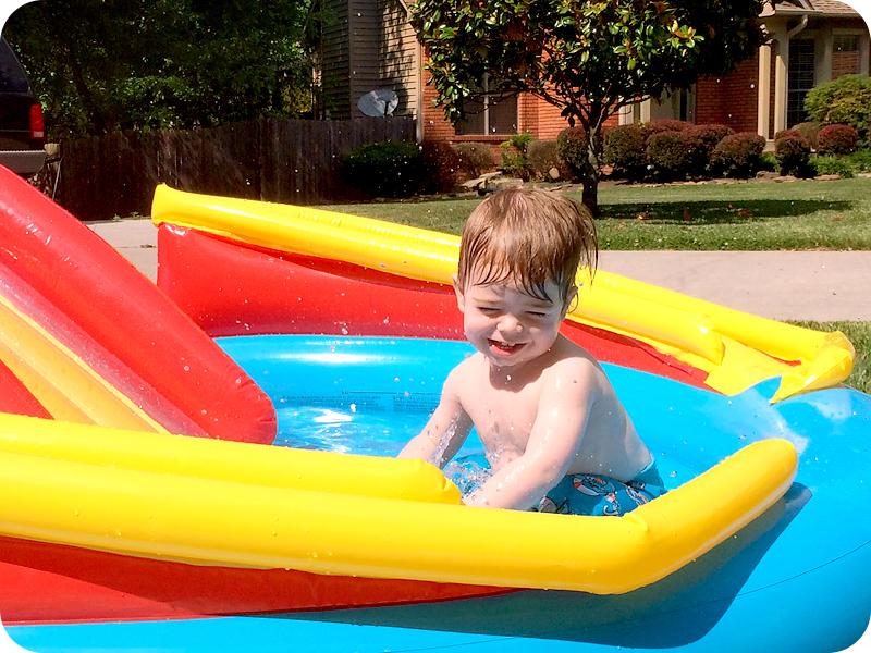 toddler-playing-in-kiddie-pool