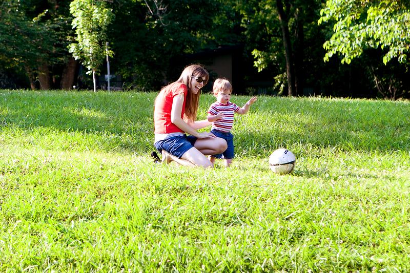 toddler-throwing-ball