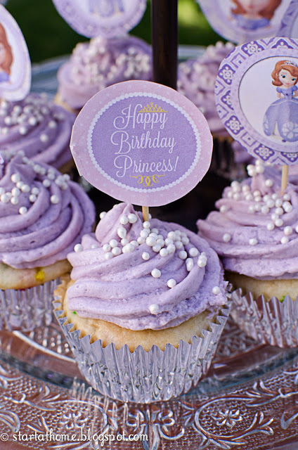 Easy Sofia the First party cupcakes