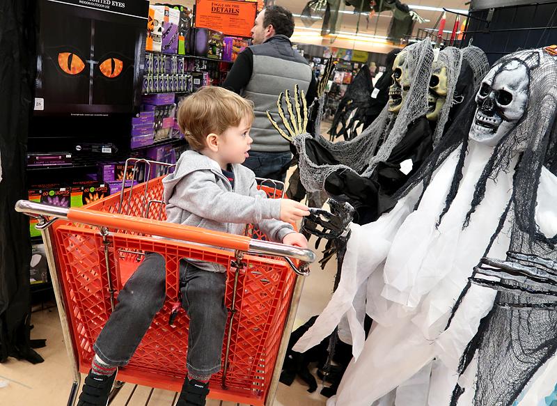jasper-shopping-at-halloween-city-2