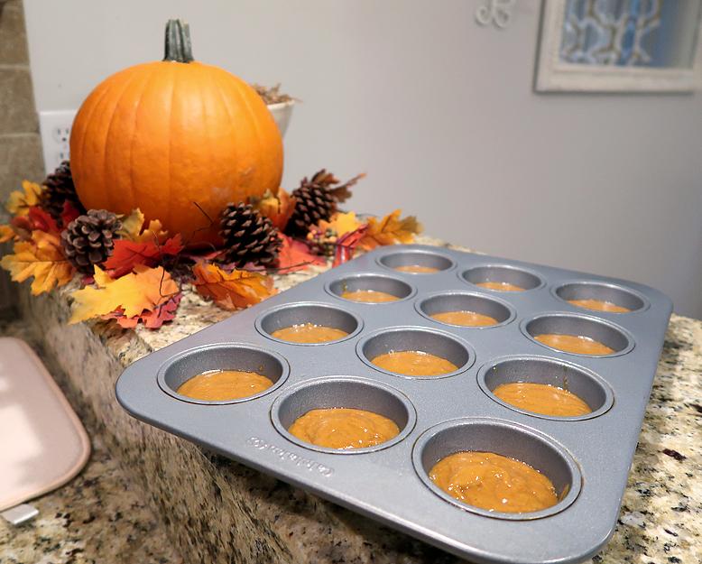 krusteaz-pumpkin-spice-muffin-batter-in-tin